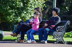 A proximidade e as oportunidades atraem muitos asiáticos para a Nova Zelândia. A cidade preferida dos orientais é Auckland, a maior do País. Eles podem ser encontrados em diversas partes da cidade, mas principalmente nos parques aproveitando os momentos de descanso junto a natureza. FOTO: Lucas Uebel/Preview.com