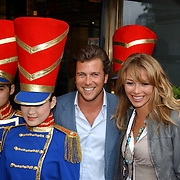 NLD/Huizen/20050706 - Premiere Nieuw Groot Chinees Staatscircus, Winson Gerstanowitz en partner Renate Verbaan