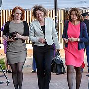 NLD/Dordrecht/20150414 - Leden van de Koninklijke Familie bezoeken het Koningsdagconcert 2015, politica .....................
