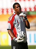 Photo: Chris Ratcliffe.<br />Trinidad & Tobago training session. FIFA World Cup 2006. 14/06/2006.<br />Shaka Hislop of T&T in training.
