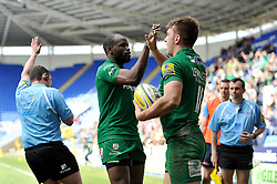 Alex Lewington of London Irish is congratulated on his try by Topsy Ojo - Photo mandatory by-line: Patrick Khachfe/JMP - Mobile: 07966 386802 12/04/2015 - SPORT - RUGBY UNION - Reading - Madejski Stadium - London Irish v Sale Sharks - Aviva Premiership