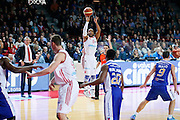 DESCRIZIONE : Varese Lega A 2013-14 Cimberio Varese Acqua Vitasnella Cantu<br /> GIOCATORE : Keydren Clark<br /> CATEGORIA : Tiro Three Points<br /> SQUADRA : Cimberio Varese<br /> EVENTO : Campionato Lega A 2013-2014<br /> GARA : Cimberio Varese Acqua Vitasnella Cantu<br /> DATA : 15/12/2013<br /> SPORT : Pallacanestro <br /> AUTORE : Agenzia Ciamillo-Castoria/G.Cottini<br /> Galleria : Lega Basket A 2013-2014  <br /> Fotonotizia : Varese Lega A 2013-14 Cimberio Varese Acqua Vitasnella Cantu<br /> Predefinita :