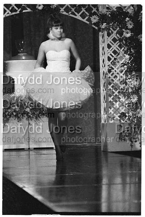 CHARLOTTE STOCKDALE, Berkeley Dress show, Savoy.  13 April 1987.<br /> <br /> SUPPLIED FOR ONE-TIME USE ONLY> DO NOT ARCHIVE. © Copyright Photograph by Dafydd Jones 248 Clapham Rd.  London SW90PZ Tel 020 7820 0771 www.dafjones.com