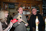 ANNA BADDELEY ( OMNIVORE ) A.A. GILL ( WINNER ) JOHN SUTHERLAND ( JUDGE ), The Omnivore hosts the third Hatchet  Job of the Year Award. Sponsored by the Fish Society.  The Coach and Horses. Greek st. Soho. London. 11 February 2014.