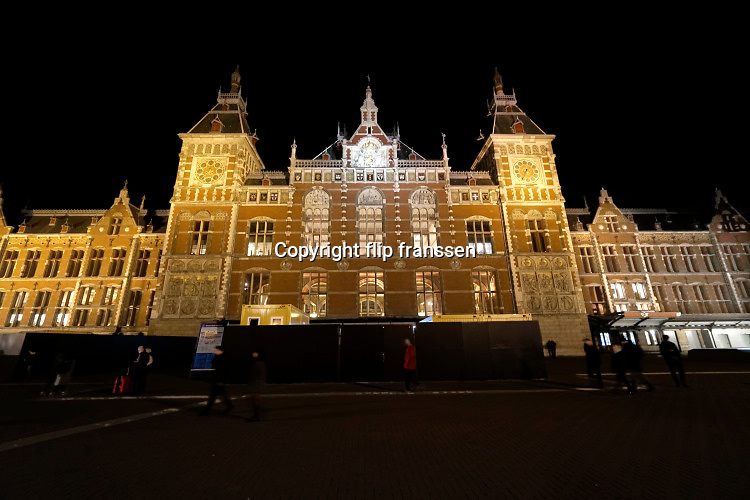 Nederland, Amsterdam, 5-3-2019  Gevel, front, vooraanzicht van het Centraal Station, architect P.J.H. Cuypers. Foto: Flip Franssen