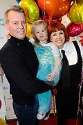 Premiere Disney On Ice in Ahoy, Rotterdam.<br /> <br /> Op de foto :<br /> <br />  Chazia Mourali met partner Marc Schroder en dochter Jasmijn