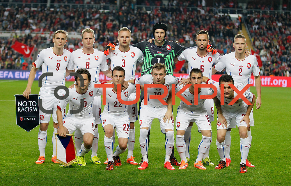 Czech Republic's players during their UEFA Euro 2016 qualification Group A soccer match Turkey betwen Czech Republic at Sukru Saracoglu stadium in Istanbul October 10, 2014. Photo by Aykut AKICI/TURKPIX