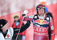 BILDET INNGÅR IKEK I FASTAVTALER. ALL NEDLASTING BLIR FAKTURERT.<br /> <br /> Alpint<br /> FIS World Cup<br /> 23.01.2016<br /> Foto: imago/Digitalsport<br /> NORWAY ONLY<br /> <br /> Aksel Lund Svindal (NOR) faller i dagens utforrenn i Kitzbuhel <br /> <br /> Ski Alpin Weltcup Saison 2015/2016 76. Hahnenkamm - Rennen Abfahrt Training 23.01.2016 Aksel Lund Svindal (NOR) freut sich nach seinem Sturz unterhalb des Hausberg, dass er nicht schwer verletzt ist. Dr. Robert Kadletz (li) hilft ihm.