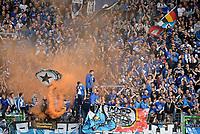Fotball<br /> Tyskland<br /> 18.05.2014<br /> Foto: Witters/Digitalsport<br /> NORWAY ONLY<br /> <br /> HSV Fans zuenden Pyrotechnik zum Spielende<br /> <br /> Fussball Bundesliga, Relegation Rueckspiel, <br /> SpVgg Greuther Fürth - Hamburger SV