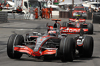 Motor<br /> Formel 1<br /> Foto: Dppi/Digitalsport<br /> NORWAY ONLY<br /> <br /> MOTORSPORT - F1 2007 - MONACO GP - 23/05 TO 27/05/2007 <br /> <br /> FERNANDO ALONSO (SPA) / MCLAREN MERCEDES MP4/22 - ACTION<br /> LEWIS HAMILTON (GBR) / MCLAREN MERCEDES MP4/22 - ACTION