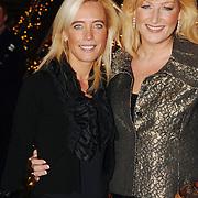 NLD/Noordwijk/20051212 - Kerst Society lunch 2005, Gisela Otto en Christine van der Horst