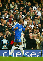 Fotball<br /> England 2004/2005<br /> Foto: BPI/Digitalsport<br /> NORWAY ONLY<br /> <br /> 04.12.2004<br /> <br /> Chelsea v Newcastle United<br /> Barclays Premiership<br /> <br /> Helpless Newcastle fans as Didier Drogba celebrates the third for Chelsea