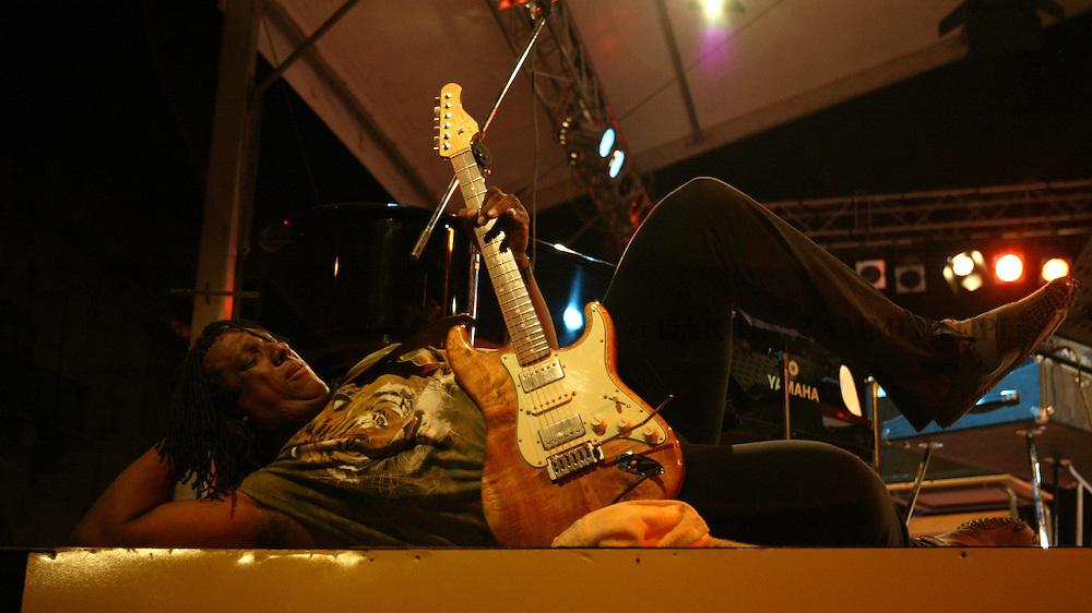 Hiriam Bullock (The Randy Brecker-Bill Evans Soulbop Band 2004), 2004<br /> Photo by Darrin Zammit Lupi