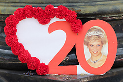August 31, 2017 - London, London, UK - Paris, France. People pay tribute to the late Princess Diana above the Post de l'Alma tunnel in Paris.  Princess Diana died with Dodi Al-Fayed in a car crash on 31st August 1997. (Credit Image: © Ray Tang/London News Pictures via ZUMA Wire)