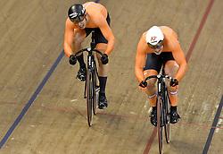 06-08-2018 WIELRENNEN: EUROPEAN CHAMPIONSHIPS TRACK CYCLING: GLASGOW<br /> Jeffrey Hoogland sluit de halve finale sprint tegen Harrie LAVREYSEN (NED) winnend af<br /> <br /> Foto: SCS/Soenar Chamid