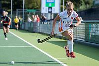 AMSTELVEEN -  Daphne Nikkels (Oranje Rood)  tijdens de hockey hoofdklasse competitiewedstrijd  dames, Amsterdam-Oranje Rood (2-1).  COPYRIGHT KOEN SUYK
