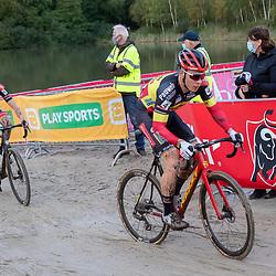 11-10-2020: Wielrennen: Superprestige: Gieten<br />(4) Laurens Sweeck, (5) Michael Vanthourenhout