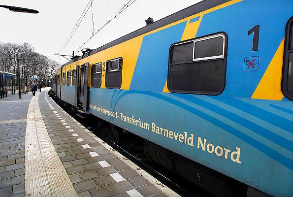 Nederland, Barneveld, 20-2-2007..Stoptrein van Connexxion op station Barneveld Noord, wat uitkomt bij het Transferium..Foto: Flip Franssen/Hollandse Hoogte