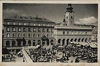 Zagreb : Tržnica na Dolcu. <br /> <br /> ImpresumS. l. : [S. n., 1937].<br /> Materijalni opis1 razglednica : tisak ; 9 x 13,9 cm.<br /> Vrstavizualna građa • razglednice<br /> ZbirkaZbirka razglednica • Grafička zbirka NSK<br /> Formatimage/jpeg<br /> PredmetZagreb –– Dolac<br /> SignaturaRZG-DOL-1<br /> Obuhvat(vremenski)20. stoljeće<br /> NapomenaRazglednica je putovala 1937. godine.<br /> PravaJavno dobro<br /> Identifikatori000952524<br /> NBN.HRNBN: urn:nbn:hr:238:242332 <br /> <br /> Izvor: Digitalne zbirke Nacionalne i sveučilišne knjižnice u Zagrebu
