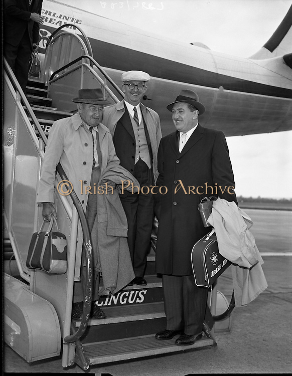 Special for Aer Lingus - Arrival from new York of Barry Fitzgerald and J. J. O'Leary and Jack Feeney (John Ford).02/05/1959
