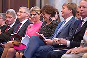 Koning reikt Erasmusprijs 2017 uit aan Michèle Lamont in het Koninklijk Paleis op de dam. De Erasmusprijs heeft dit jaar als thema Kennis, Macht en Diversiteit.<br /> <br /> King awards Erasmus Prize 2017 to Michèle Lamont at the Royal Palace on the dam. The Erasmus Prize has this year the theme Knowledge, Power and Diversity.<br /> <br /> Op de foto / On the Photo:  Koningin Maxima,Micheele Lamont en Koning Willem-Alexander