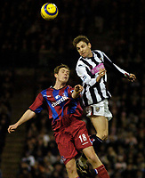 Fotball<br /> England 2004/2005<br /> Foto: BPI/Digitalsport<br /> NORWAY ONLY<br /> <br /> West Bromwich Albion v Crystal Palace<br /> Barclays Premiership. 01/02/2005.<br /> Crystal Palace's Gary Borrowdale (L) fights an aerial battle for possession with Zoltan Gera