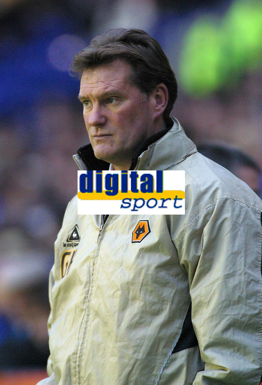 Photo: Dave Linney.<br />Leicester City v Wolverhampton Wanderers. Coca Cola Championship. 04/02/2006Wolves mgr.Glenn Hoddle looks on dejected as the end of the games approaches
