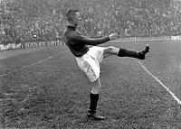 Gerald Pieter Keyser (Arsenal) 1930/31. Credit : Colorsport.