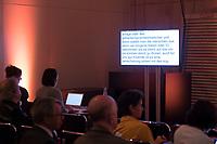 DEU, Deutschland, Germany, Berlin, 08.03.2019: Schriftdolmetscher bei ihrer Arbeit für hörgeschädigte Menschen beim 8. Tag des barrierefreien Tourismus im Rahmen der Internationalen Tourismus-Börse (ITB) im CityCube.