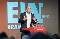 17 NOV 2018, POTSDAM/GERMANY:<br /> Dietmar Woidke, SPD, Ministerpraesident Brandenburg, haelt eine Rede, Landesprateitag der SPD Brandenburg, Kongresshotel Potsdam am Templiner See<br /> IMAGE: 20181117-01-028