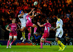 High ball during the second half of the match - Photo mandatory by-line: Rogan Thomson/JMP - Tel: Mobile: 07966 386802 20/10/2012 - SPORT - RUGBY - Sandy Park Stadium - Exeter. Exeter Chiefs v ASM Clermont Auvergne - Heineken Cup Round 2