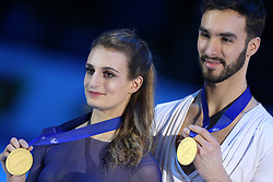January 20, 2018 - Moscow, Russia - Gold medallists Gabriella Papadakis and Guillaume Cizeron of France pose with their medals after the ice dance free dance at the ISU European Figure Skating Championships in Moscow, on January 20, 2018. (Credit Image: © Igor Russak/NurPhoto via ZUMA Press)