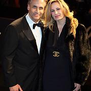 NLD/Amsterdam/20081104 - Première James Bond film Quantum of Solace, Robert Schoemacher en partner Claudia van Zweden