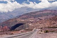 RUTA 9 ENTRE TILCARA Y PURMAMARCA, QUEBRADA DE HUMAHUACA, PROV. DE JUJUY, ARGENTINA