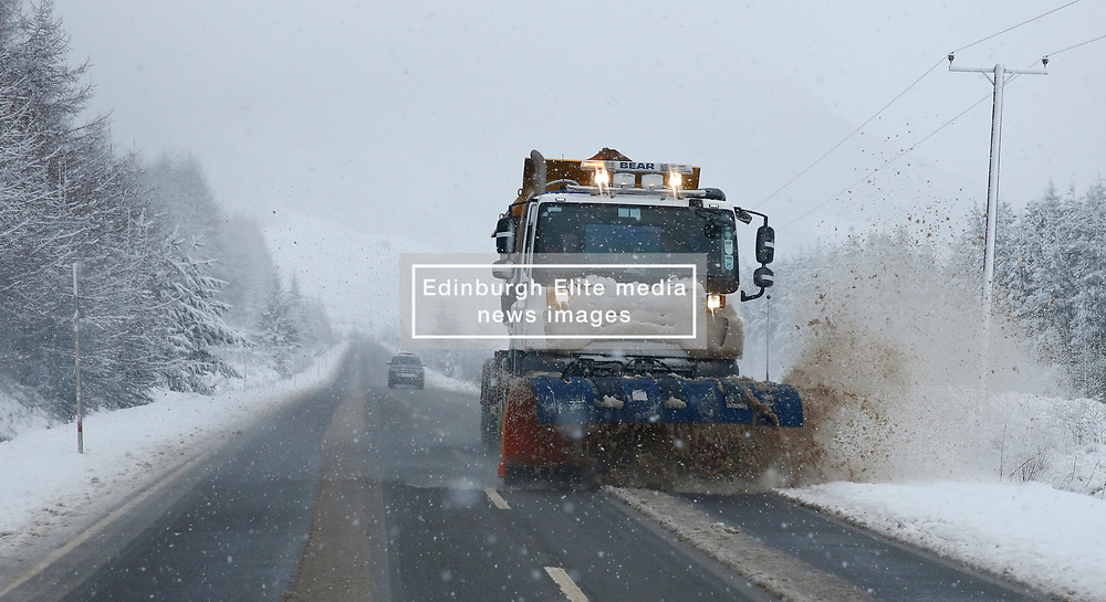 Winter is not finished in the West Highlands as a heavy snow storm sweeps the area. The A85 between Tyndrum and Dalmally was hit hard with the road conditions difficult for all vehicles ...... (c) Stephen Lawson   Edinburgh Elite media