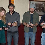 NLD/Volendam/20131126 - Onthulling kerstnummer 100% NL, Ferry Somoygi, Sandra van Nieuwland, Jim Bakkum en Simon Keizer