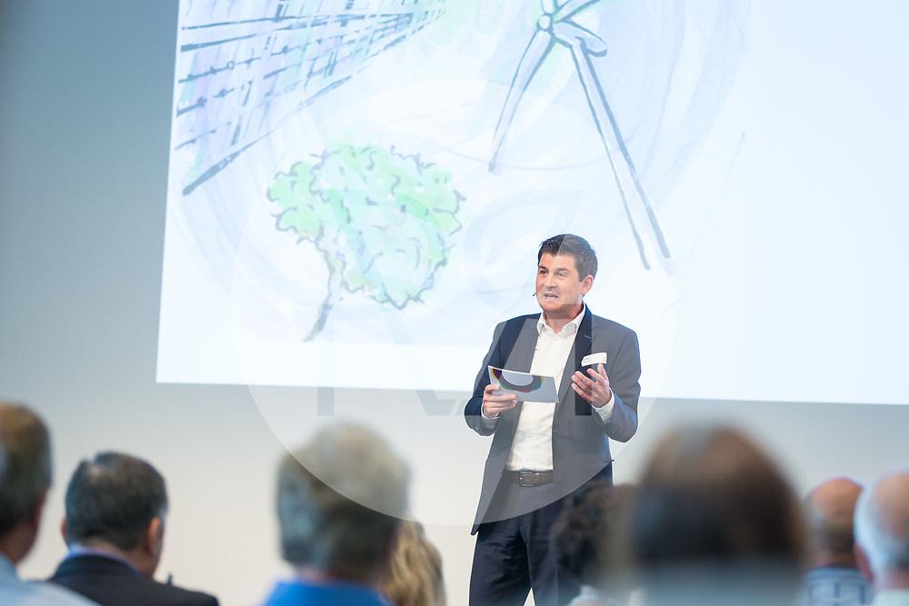 SCHWEIZ - RÜSCHLIKON - Energie 360° Networking-Event 2018 mit Lars Thomsen im Gottlieb Duttweiler Institut - 28. Juni 2018 © Raphael Hünerfauth - http://huenerfauth.ch