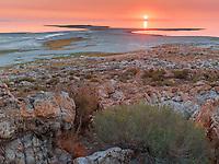 https://Duncan.co/pastel-sunset-at-great-salt-lake