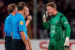 27-09-2018 NED: FC Utrecht - MVV Maastricht, Utrecht<br /> First round Dutch Cup stadium Nieuw Galgenwaard / David Jensen #1 of FC Utrecht and the referees