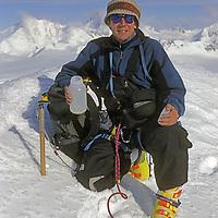 ANTARCTICA. Gordon Wiltsie on south ridge of Peak 3950m in the Ellsworth Mountains.