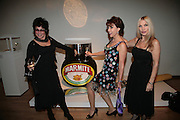 Ruby Wax, Kathy Lette and Lindsay de Paul, ' Show Off' Theo Fennell exhibition co-hosted wit Vanity Fair. Royal Academy. Burlington Gdns. London. 27 September 2007. -DO NOT ARCHIVE-© Copyright Photograph by Dafydd Jones. 248 Clapham Rd. London SW9 0PZ. Tel 0207 820 0771. www.dafjones.com.