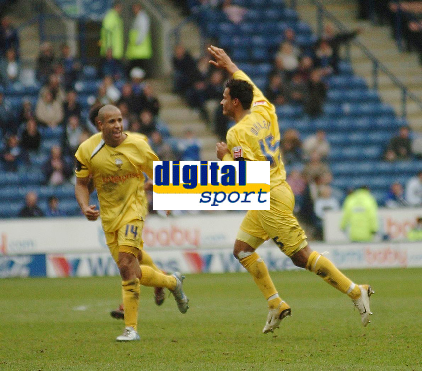 Photo: Leigh Quinnell.<br /> Leicester City v Preston North End. Coca Cola Championship. 15/04/2006. Prestons Simon Whaley(R) celebrates his goal withTyrone Mears(L)