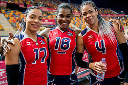 08-07-2017 NED: World Grand Prix Dominican Republic - Japan, Apeldoorn<br /> Fourth match of first weekend of group C during the World Grand Prix / Dominican Republic defeats Japan with 3-1 - Gina Altagracia Mambru Casilla #17, Bethania De La Cruz De Pena #18 C, Marianne Fersola Norberto #4