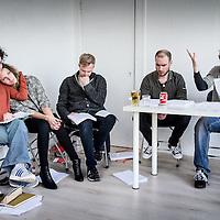 Nederland, Amsterdam, 23 april 2018.<br /> Shakespeare Event in Bookstore place.<br /> Op zaterdag 23 april lezen zes acteurs in The Bookstore Space het 24-uur-durende Alles onder de zon, een bewerking van Luuk Imhann van alle 42 toneelstukken van William Shakespeare. Het is 400 jaar geleden dat hij stierf. Alles onder de zon bestaat uit 24 delen, waarvan elk een groot thema van het menszijn belicht (liefde, oorlog, verlies, seks, terrorisme) en zo in 24 uur toneel de gelaagdheid van het menselijk leven weerspiegelt.<br /> Op de foto: Marc Nochem (rechts) en Daan Alkemaar (3e links)  lezen voor terwijl Luuk Imhann (2e rechts) de regie leest en de schrijver is.<br /> <br /> <br /> Foto: Jean-Pierre Jans