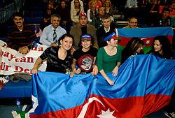 11-11-2007 VOLLEYBAL: PRE OKT: NEDERLAND - AZERBEIDZJAN: EINDHOVEN<br /> Nederland wint ook de de laatste wedstrijd. Azerbeidzjan verloor met 3-1 / Publiek, support toeschouwers<br /> ©2007-WWW.FOTOHOOGENDOORN.NL