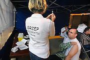 Nederland, Nijmegen, 27-10-2008Mederwerkers van het UMC Radboud kunnen deze week een griepprik halen.Foto: Flip Franssen