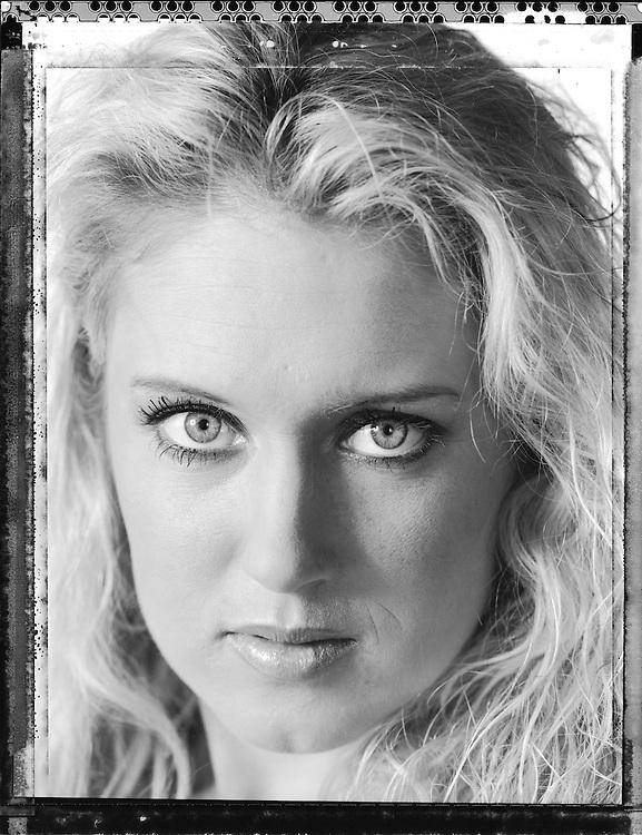 Natalie Gulbis, photographed in Orlando, Florida on April 26 2006. Photograph © 2006 Darren Carroll
