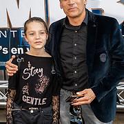 NLD/Amsterdam/20190617 - Men in Black International premiere, Robert Schoemacher en dochter Livia