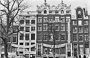 Nederland, Amsterdam, 12-4-1980  De Groote Keijser was ook wel Groote Keijzer, Groote Keyzer of Groote Keyser is gekraakt. Een zestal panden aan de Keizersgracht zijn gekraakt om te voorkomen dat het door de OGEM  aan projectontwikkelaars vergekocht werd .Foto: Flip Franssen