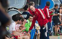 NEW DELHI -  De Engelse bondscoach Bobby Crutchley tijdens de derde poulewedstrijd in de finaleronde van de Hockey World League tussen de mannen van Engeland en Nieuw-Zeeland. ANP KOEN SUYK